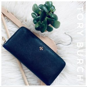 TORY BURCH Leather zip around continental Wallet